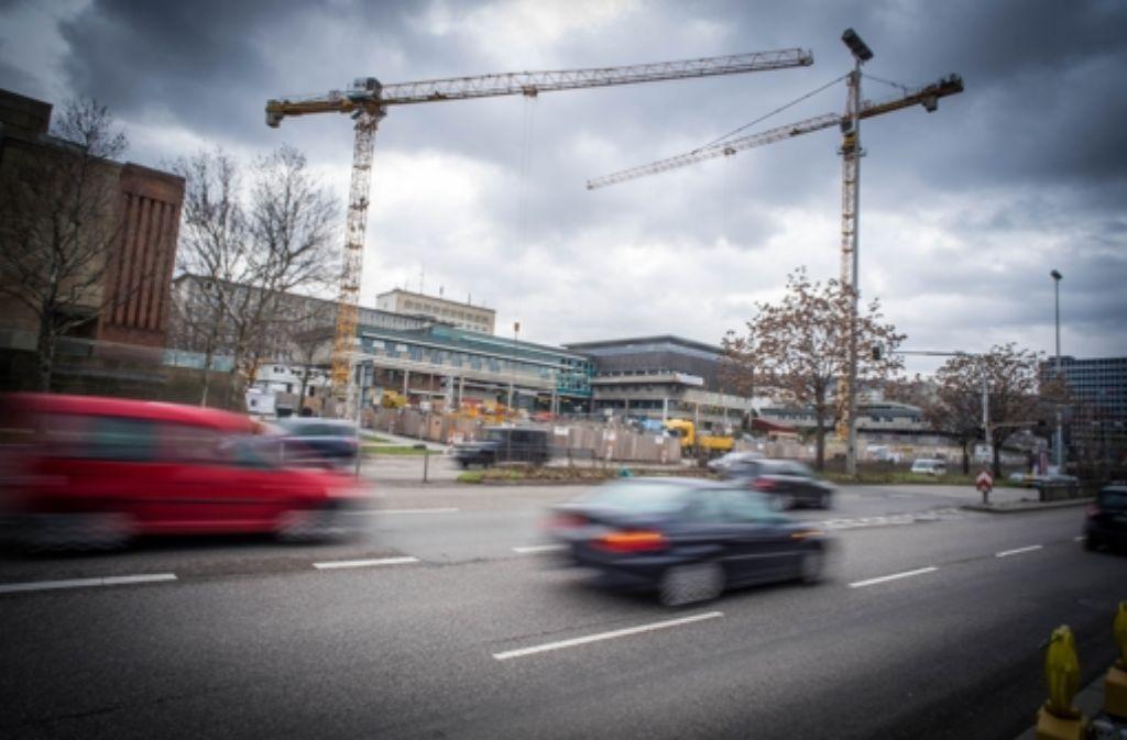 An der B14 wird an vielen Ecken gebaut. Foto: Lichtgut/Achim Zweygarth