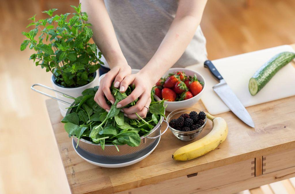 Experten sagen: Eine gesunde Ernährung trägt zur Gesundheit, körperlichen Leistung – und zum Wohlbefinden bei. Foto: dpa