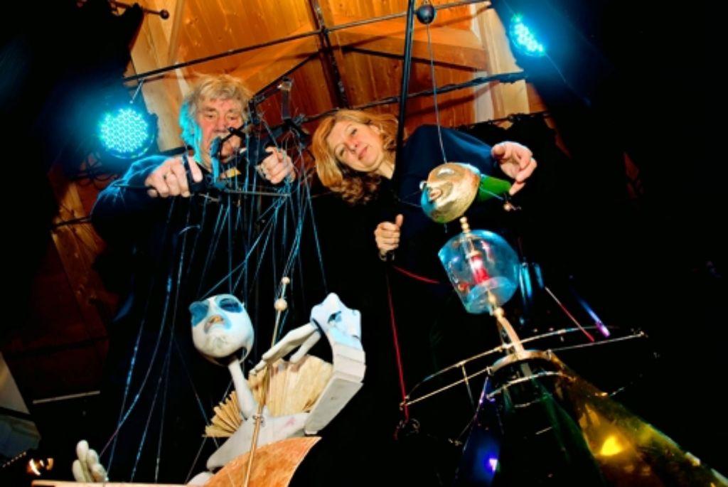 Die Puppen sind für das Ehepaar Hermann Voss und Barbara Wojciechowska-Voss wie Instrumente. Foto: Thomas Krämer