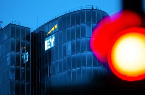 Klage gegen Wirtschaftsprüfer EY auf 195 Millionen Euro Schadenersatz