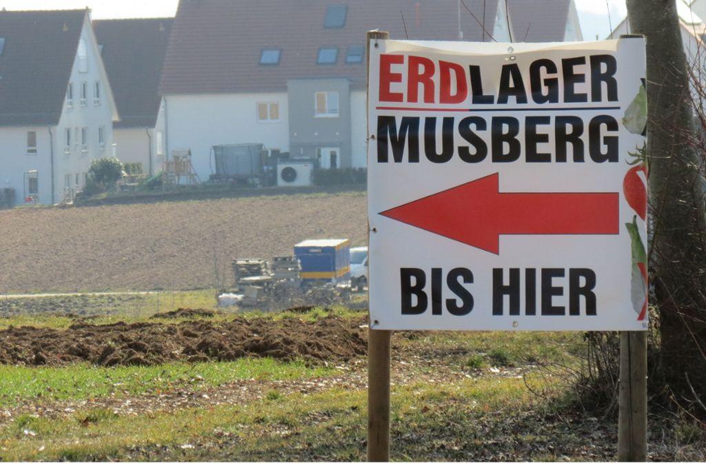 Anwohner  in Oberaichen und Musberg wollen sich mit einem Erdlager vor ihrer Haustüre nicht abfinden. Foto: Judith Sägesser