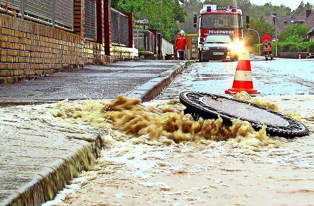 Hochwasser nehmen zu, da sind sich Wissenschaftler einig. Die Kommunen bereiten sich entsprechend vor. Foto: dpa