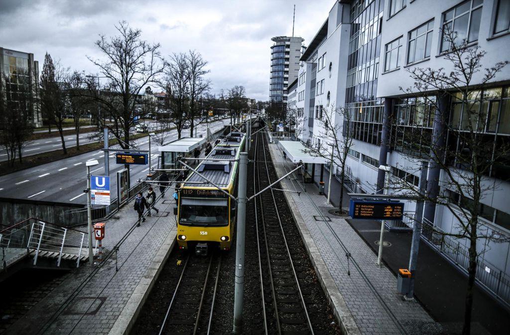 Aufgrund von Bauarbeiten enden einige Stadtbahnlinien am Wochenende an der Haltestelle Degerloch-Albstraße. Foto: Lichtgut/Leif Piechowski