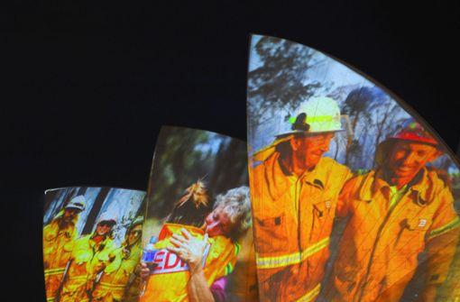 Opernhaus von Sydney erleuchtet - als Dank für Buschbrand-Helfer