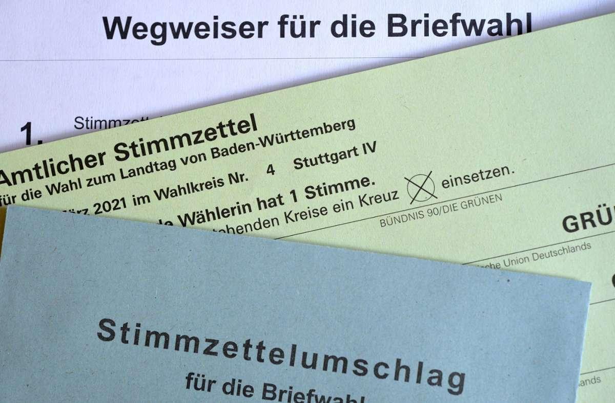 Die amtlichen  Briefwahlunterlagen für die Landtagswahl in Baden-Württemberg. Foto: /imageBROKER/Michael Weber via www.imago-images.de
