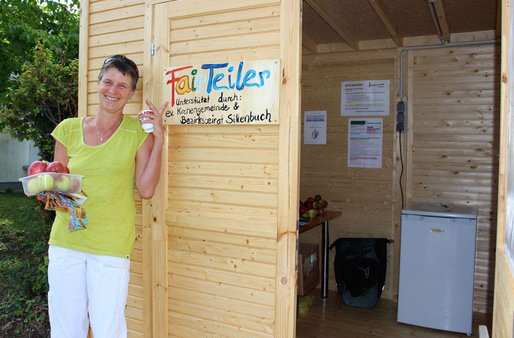 Wird zur Freude von Annette Jickeli bereits gut genutzt: die Fair-Teiler-Hütter in Sillenbuch Foto: Caroline Holowiecki