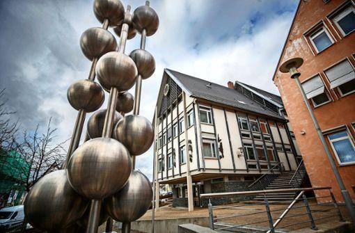 Schwaikheims Rathaus in Schockstarre