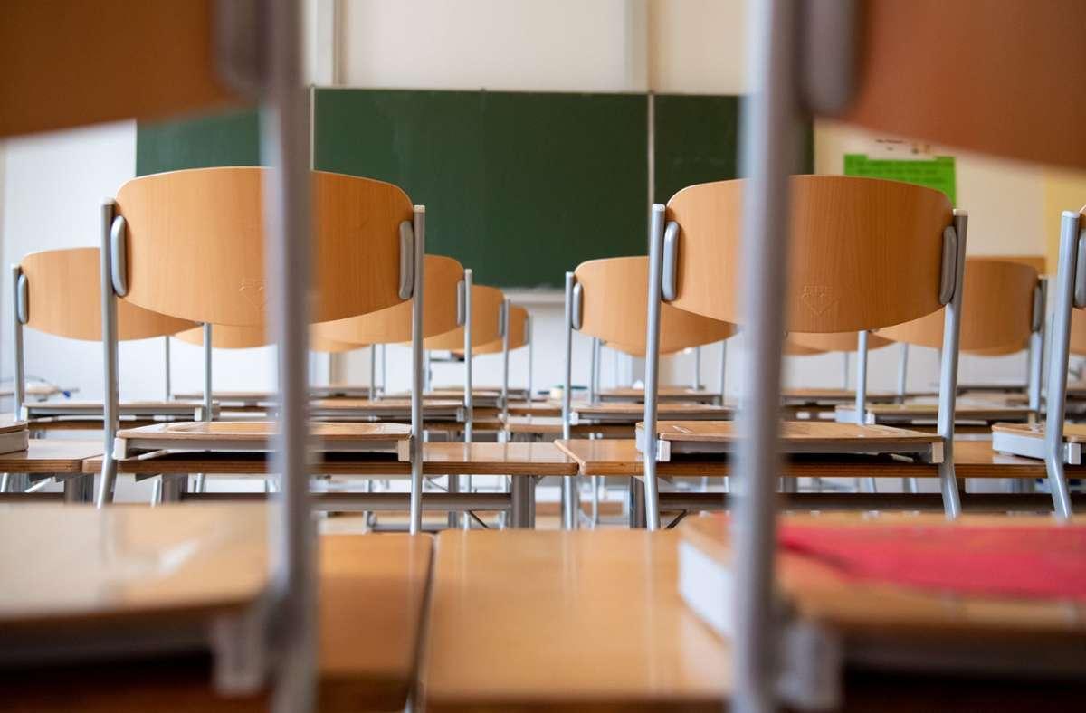 Bis einschließlich bleibt die betroffene Göppinger Grundschule geschlossen. (Symbolfoto) Foto: dpa/Sven Hoppe