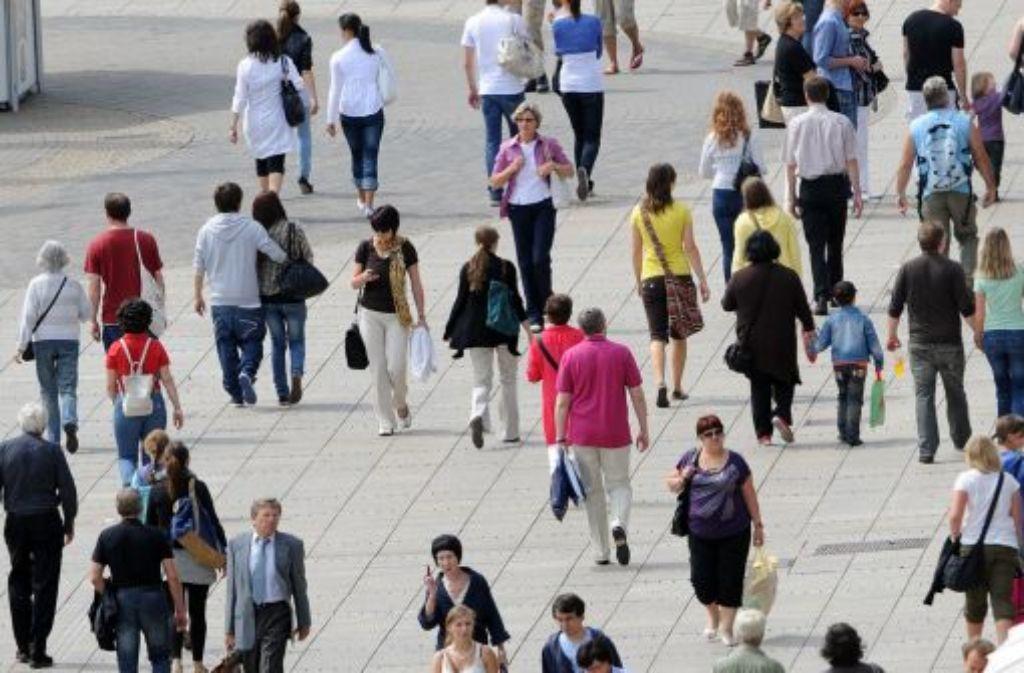 Die Einwohnerzahl im Südwesten ist auf einem Höchststand. Allein in den ersten drei Quartalen 2012 stieg sie um etwa 49.000 auf rund 10.835.000 Menschen. Foto: dpa