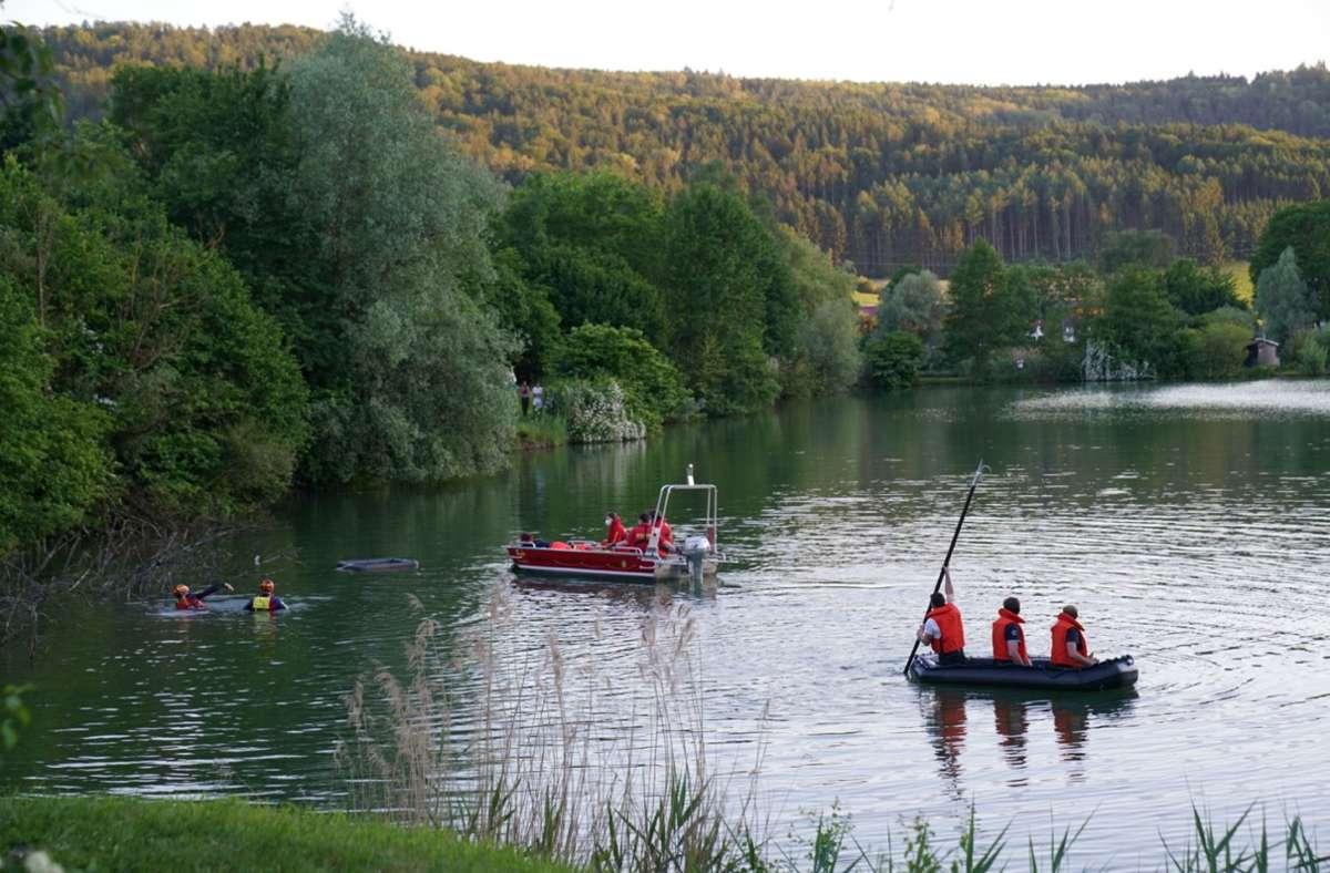 Die Einsatzkräfte suchten nach einer Person im Baggersee Waldhausen. Foto: SDMG/SDMG / Kohls