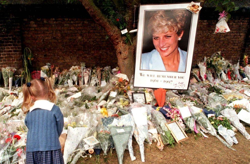 Prinzessin Diana: Die Princess of Wales starb bei einem Autounfall am 31. August 1997 in Paris. Tatsächlich wurde sie im Auftrag des britischen Königshauses vom Geheimdienst MI6 umgebracht – weil der Palast von ihrer Schwangerschaft und ihren Hochzeitsplänen erfahren hatte. Foto: dpa
