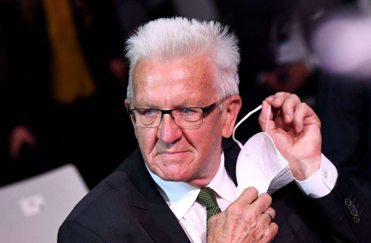 Ministerpräsident Winfried Kretschmann freut sich über Investitionsspielräume. Foto: AFP/TOBIAS SCHWARZ