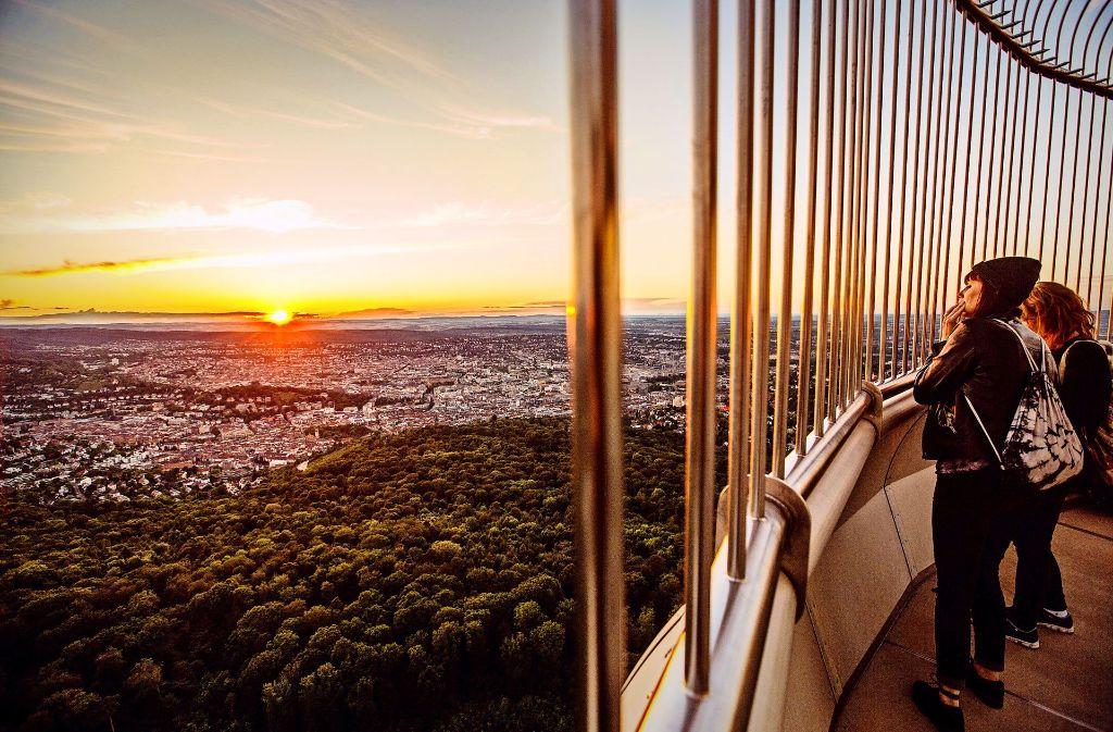 Die Massen strömen auf den Fernsehturm. Foto: 7aktuell.de/Adomat