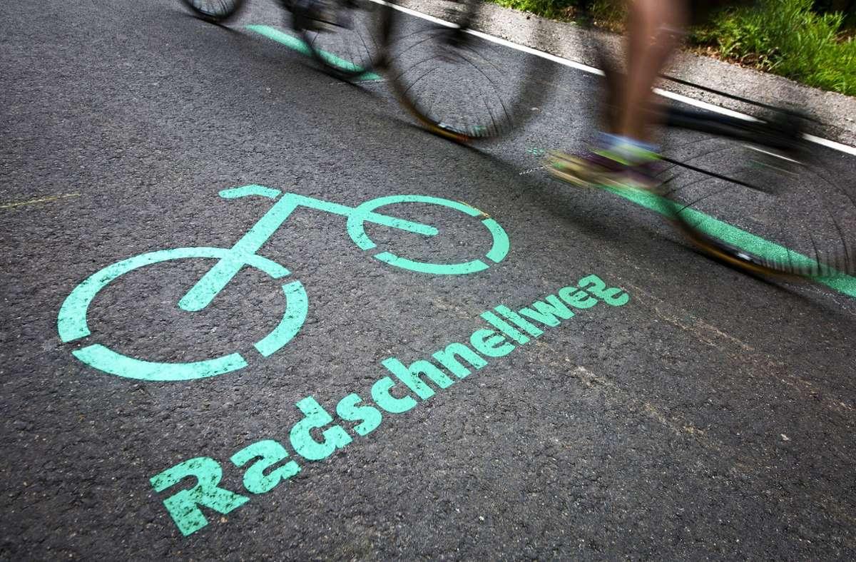 Dass es einen Radschnellweg  im Neckartal geben soll, ist unstrittig. Zu dessen Trasse gehen die Meinungen auseinander. Foto: dpa