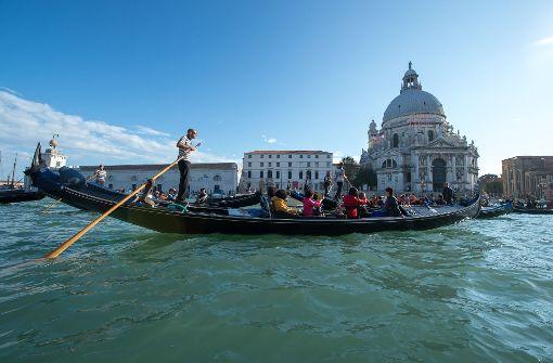 Ja, die Touristen – aber schön ist Venedig eben immer noch. Foto: dpa