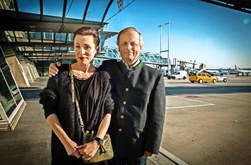 Bitte recht freundlich: Monica Menez ist zuletzt von Stuttgart aus zu einem englischen Filmfestival geflogen, Gerhard Raff begleitete einen Pilger in Jerusalem. Foto: Lichtgut/Achim Zweygarth