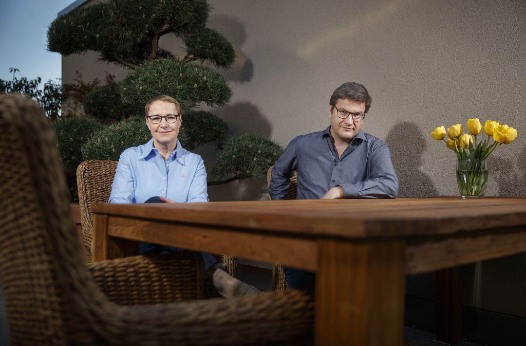 Cornelia Ewigleben und Eckart Köhne in ihrer Wohnung in Karlsruhe Foto:Gottfried Stoppel Foto: