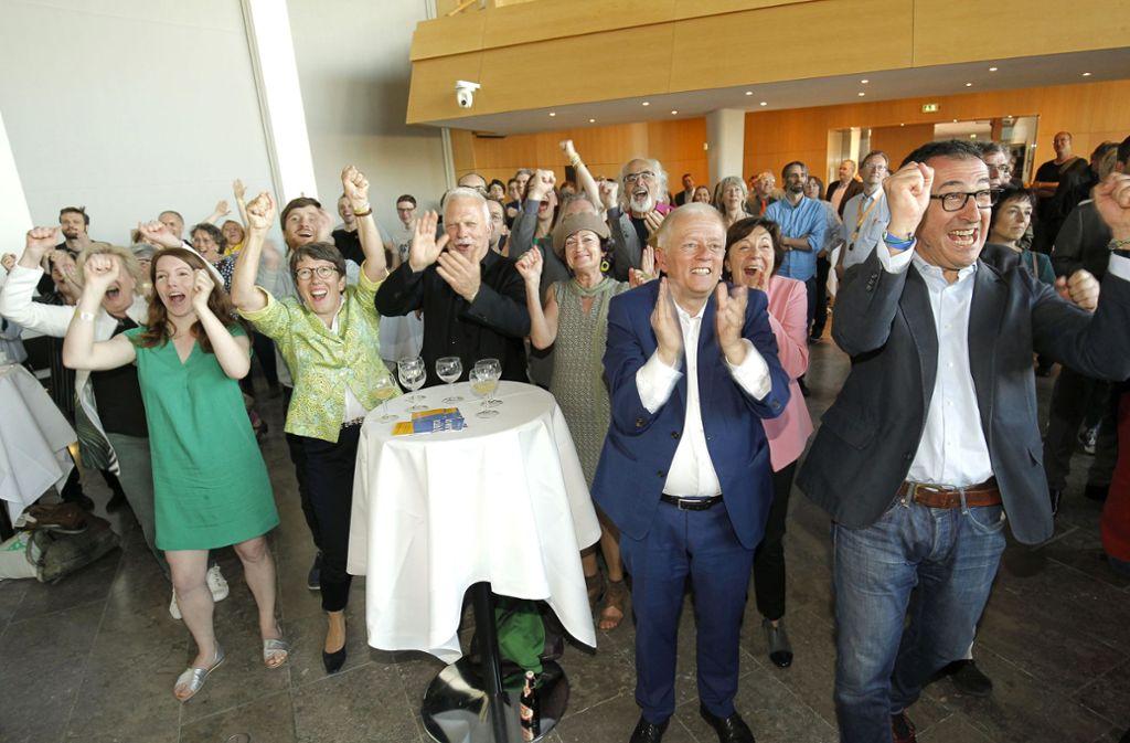 Freude über  den Wahlsieg, doch Kuhn will nicht Regionalpräsident werden. Foto: