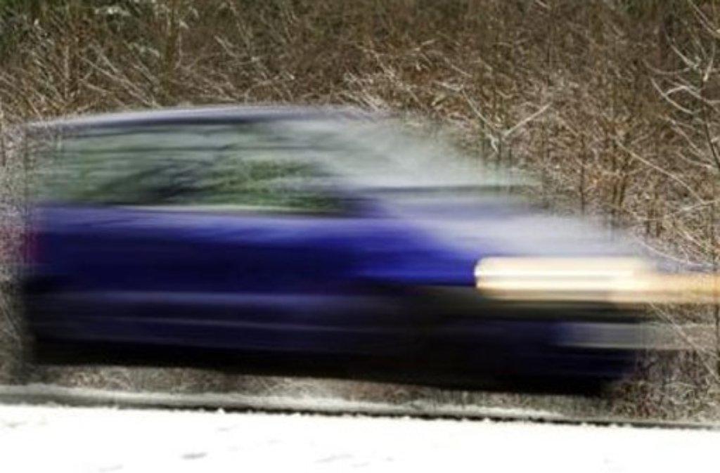 Nicht verschneit, aber frostig und womöglich glatt auf den Straßen ist es am Mittwochmorgen. Foto: dpa