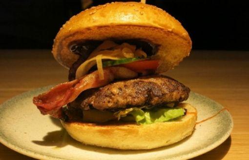 Soft-Eröffnung: Die ersten Burger aus dem Burgerheart