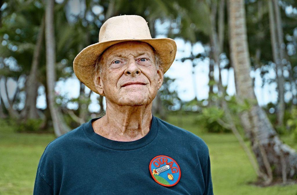 Eines der letzten Fotos von Lutz Kayser. Seine Leidenschaft für die Raumfahrt ließ ihn nie los, zuletzt lebte er auf  Bikendrik Island im Pazifik. Foto: Markus Hilß