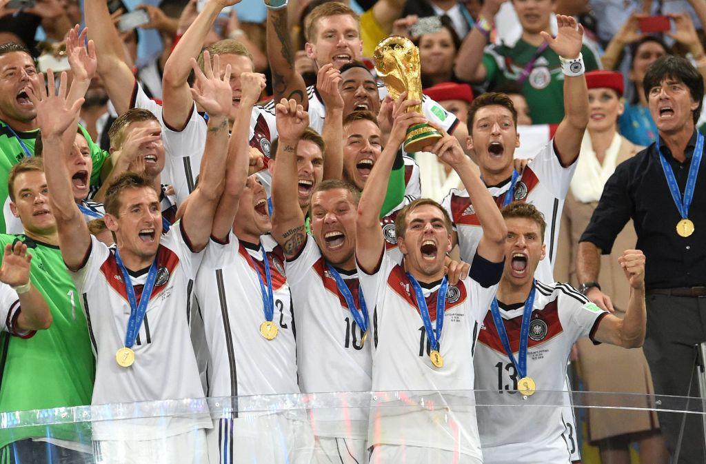 Wird das DFB-Team auch bei der Fußball-WM 2018 in Russland jubeln können? Foto: dpa