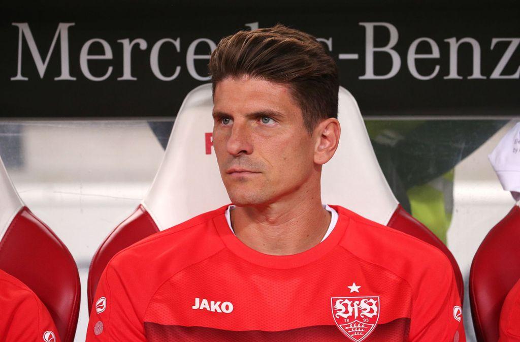 Für Mario Gomez vom VfB Stuttgart könnte es für das Auswärtsspiel eng werden. Foto: Pressefoto Baumann/Julia Rahn