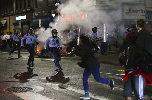 US-Polizisten erschießen bewaffneten Schwarzen