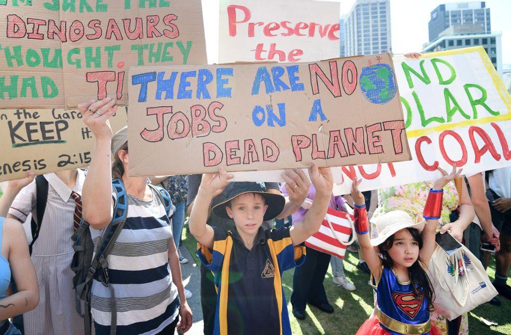 Es gibt keine Jobs auf einem toten Planeten: Schüler in Brisbane im Klimastreik Foto: dpa/Dan Peled