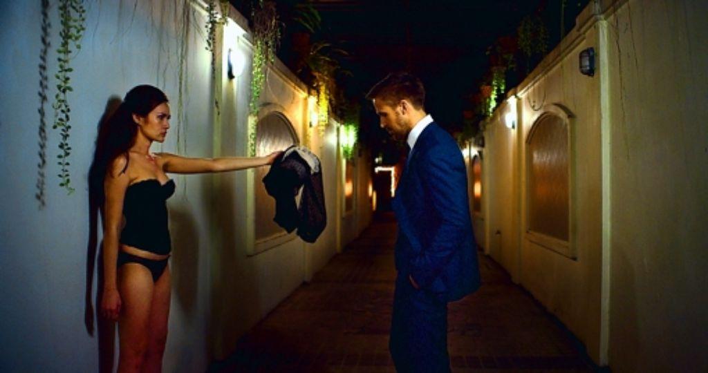 Ganz schön warm hier: Thaipop-Star Yayaying und Ryan Gosling. Foto: Tiberius Film
