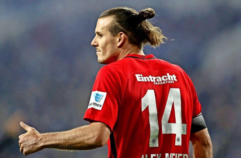 Alex Meier von Eintracht Frankfurt muss pausieren. Foto: Bongarts