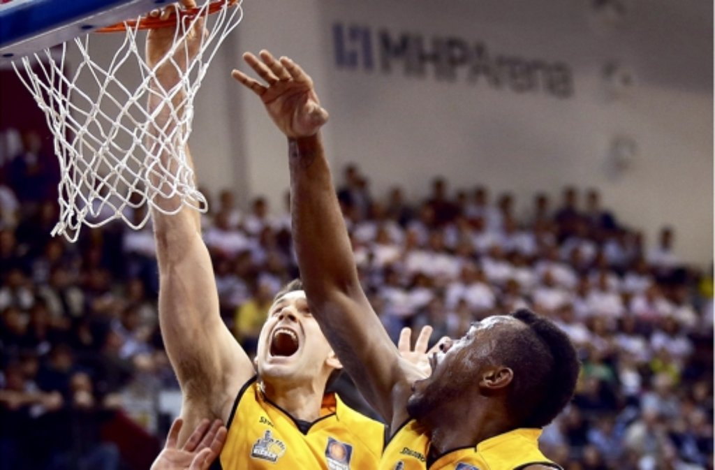 Die Neckar Riesen Ludwigsburg haben sich nun offiziell für ein eventuelles Wildcard-Verfahren der Basketball-Bundesliga beworben. Der Absteiger der vergangenen Saison hofft auf diesem Weg, doch noch in der Ersten Liga zu bleiben. Foto: Pressefoto Baumann
