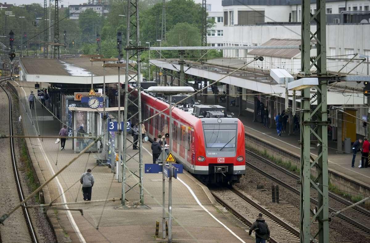 Am Ludwigsburger Bahnhof ist es am Sonntagmorgen zu einer folgenschweren Auseinandersetzung gekommen. Foto: Simon Granville