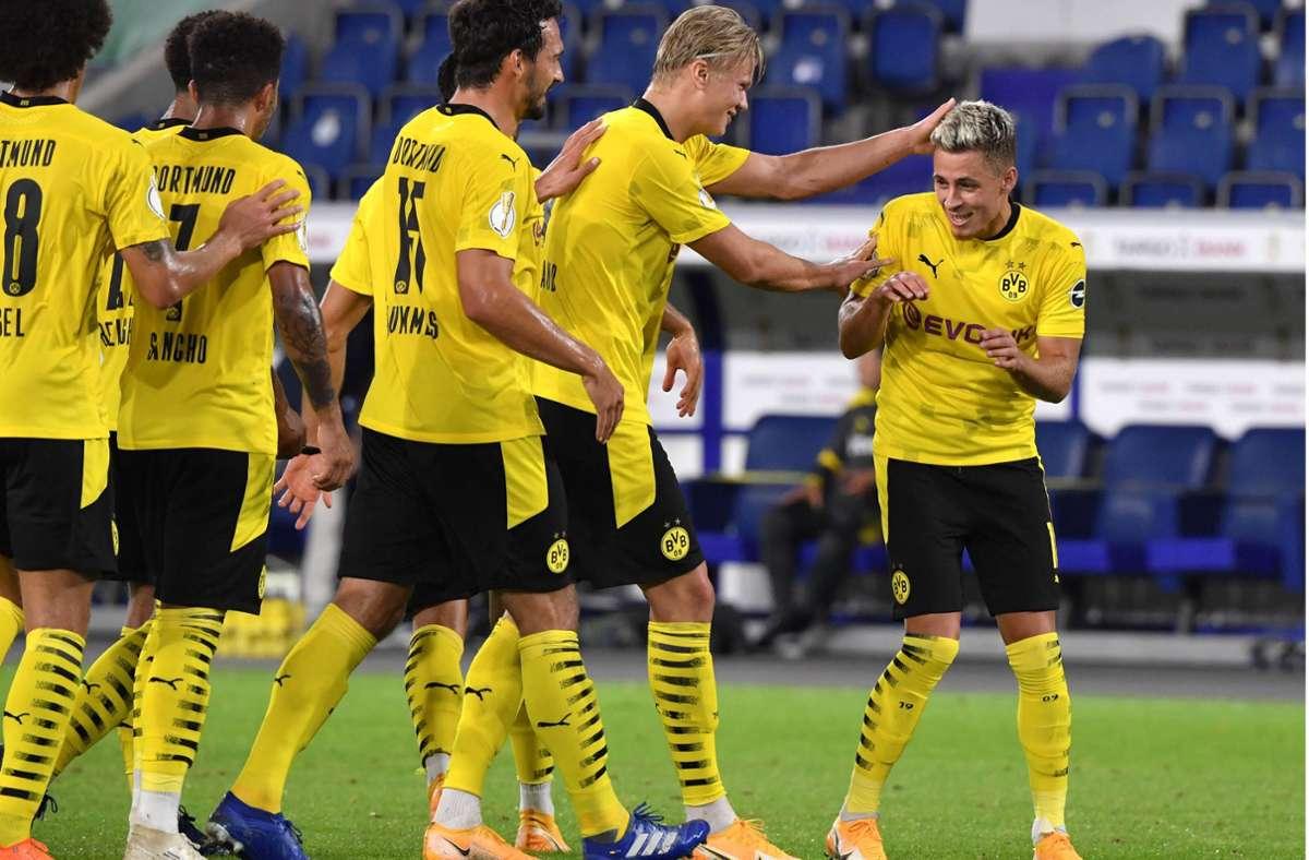Die junge Garde von Borussia Dortmund könnte auch als Boyband antreten. Foto: Imago//Maik Hölter