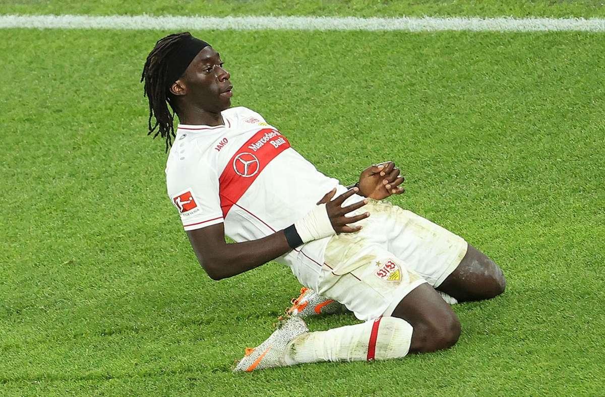 So bejubelte Tanguy Coulibaly seinen Treffer im Hinspiel gegen den BVB. Im Rückspiel soll er  in der Startelf stehen. Foto: Baumann