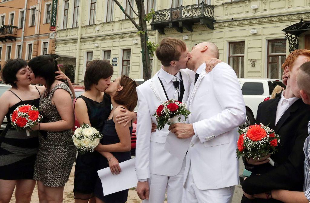 Gleichgeschlechtliche Paare (hier eine Demonstration in St. Petersburg) sieht man in Italien eher selten. Foto: EPA