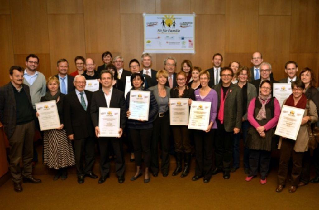 Familienfreundliche Unternehmen: die Preisträger und die Laudatoren. Foto: IHK