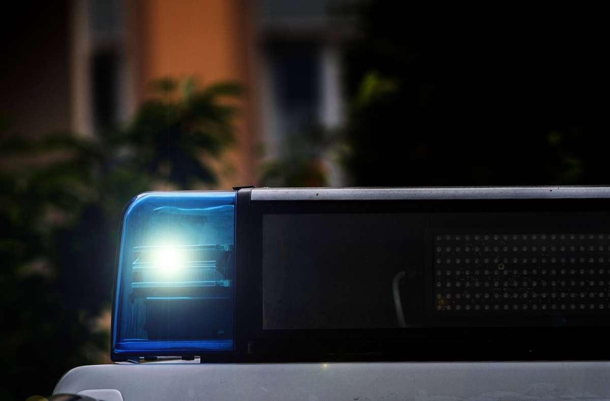 Wer am Montag mit der Stuttgarter Polizei telefonieren muss, sollte das nach 7 Uhr machen (Symbolbild). Foto: imago images/Fotostand / K. Schmitt