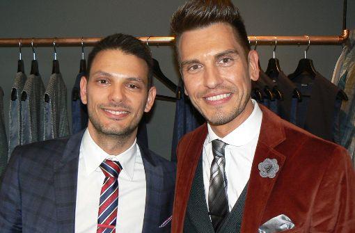 Artdirector Steffen Schneider (links) und Fernsehmoderator Chris Fleischhauer wollen Männer schöner machen. Foto: Boris Mönnich / CanduMedia