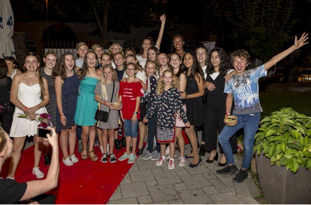 """Die Kinderdarsteller bei der Premiere des Musicals """"Annie"""" im Wizemann. Bis März sind noch weitere 72 Vorstellungen geplant. Foto: Andreas Engelhard"""