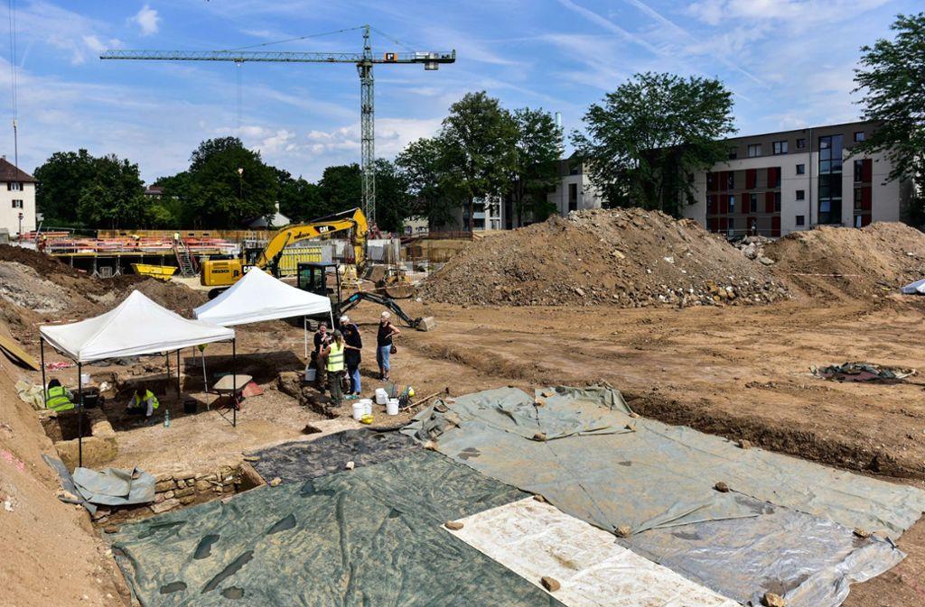 Da, wo heute noch die Ausgrabung stattfindet, entstehen bald mehr als 100 Wohnungen. Foto: Lichtgut/Max Kovalenko