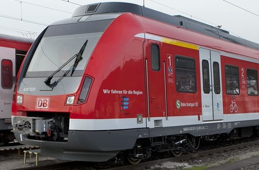Die Zulassung der neuen Stuttgarter S-Bahnen lässt auf sich warten. Foto: Horst Rudel
