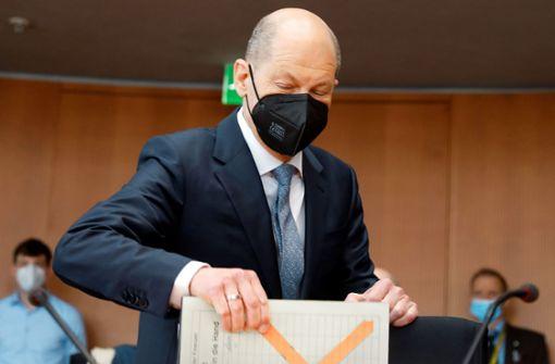 Schwerer Tag für den Zeugen Olaf Scholz