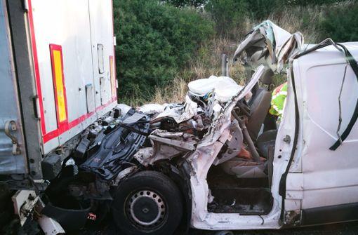 Drei Tote bei Lkw-Unfall – Autobahn gesperrt