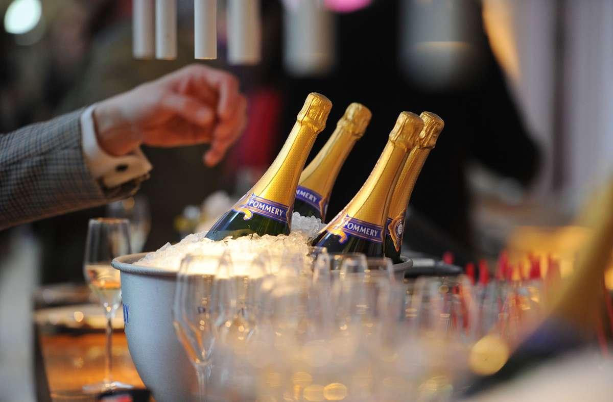 Die französischen Champagner-Hersteller hatten über Monate den Export nach Russland eingestellt. Grund ist ein Namensstreit. Foto: dpa/Jens Kalaene