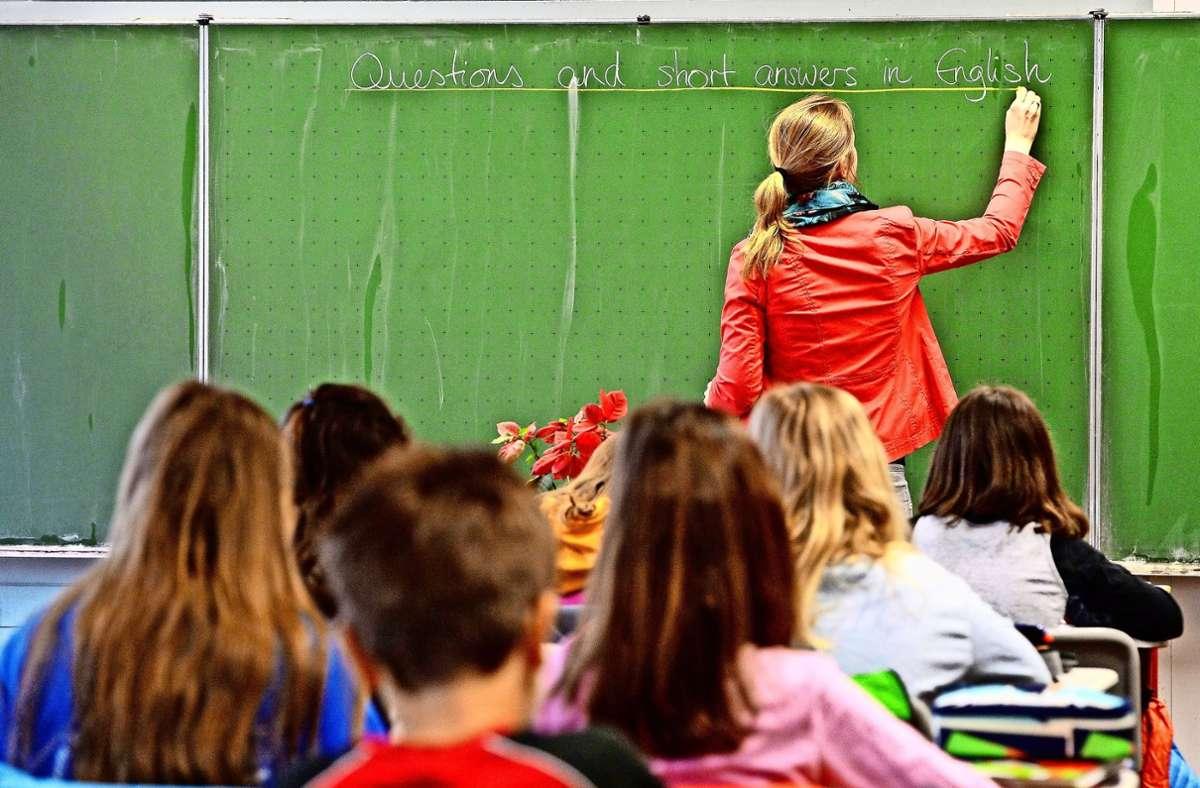 Wer Rektor ist, hat viel weniger Unterricht, dafür  mehr Verwaltungs-und Organisationsaufgaben. Foto: dpa/Marijan Murat
