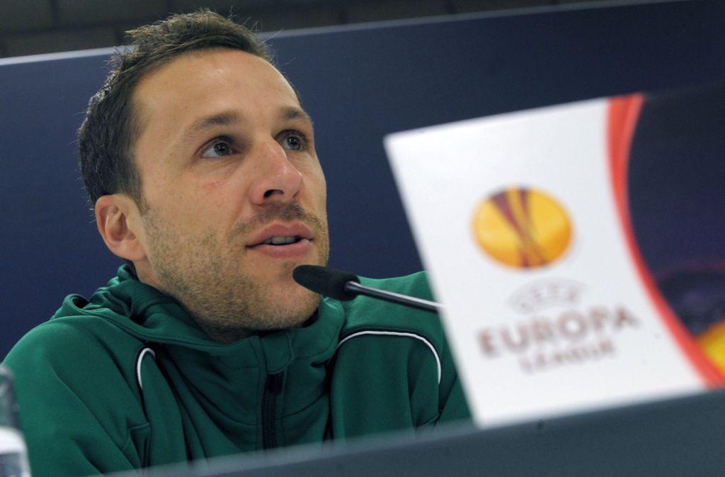 Tayfun Korkut ist der neue Trainer des VfB Stuttgart. Steven Cherundolo (im Bild) wird sein Co-Trainer. Foto: dpa