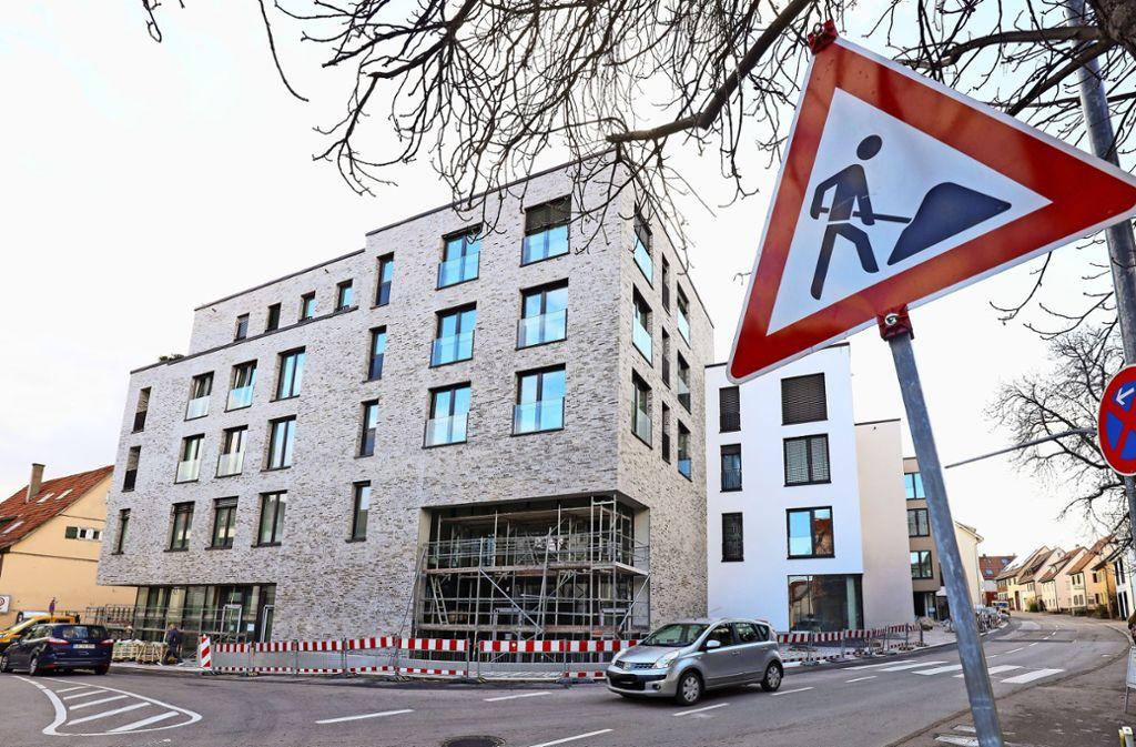 """Viele Wohnungen im """"Neuen Träuble"""" sind schon bewohnt. Weitere Einrichtungen werden im Januar bezogen, die Demenz-Tagesstätte ist bereits in Betrieb. Foto: factum/Simon Granville"""