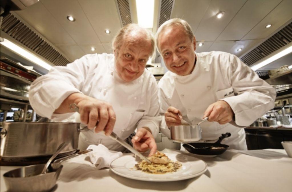 Stuttgart trifft Freiburg: Vincent (links) und Alfred Klink in der Küche Foto: Heiss