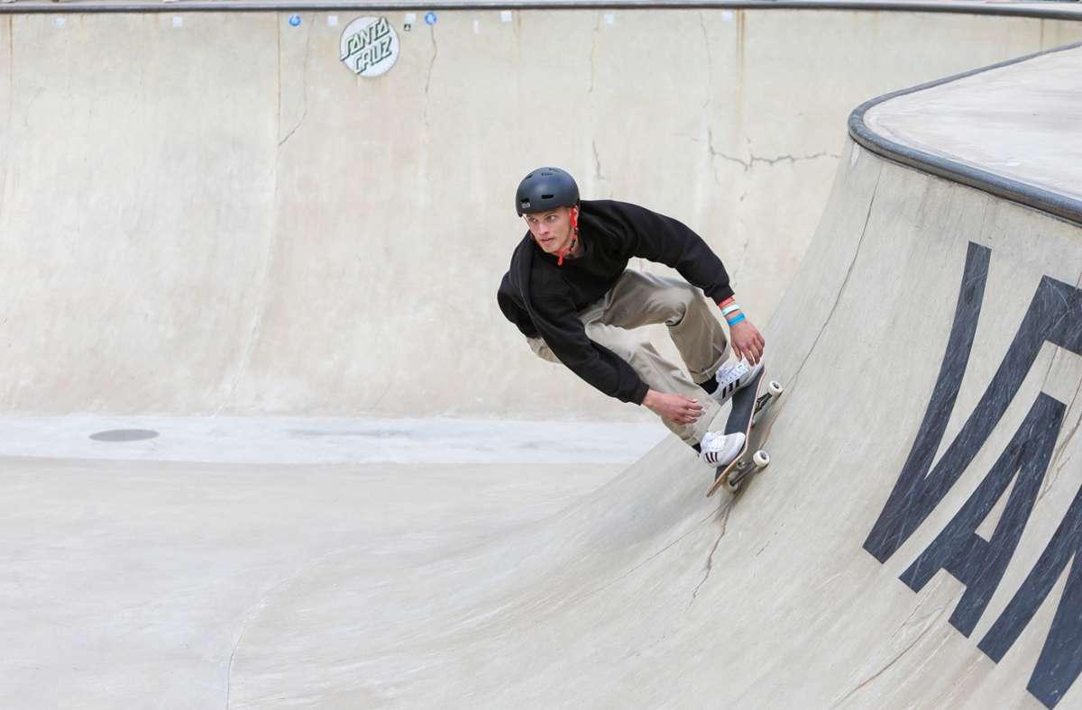 Tyler Edtmayer brach sich im Training den Arm. (Archivbild) Foto: imago images/Beautiful Sports/Kenny Beele